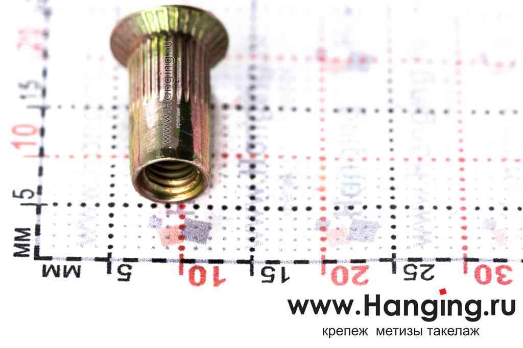 Размеры резьбовых заклепок М4х13 цилиндрической формы с насечками с потайным бортиком из стали