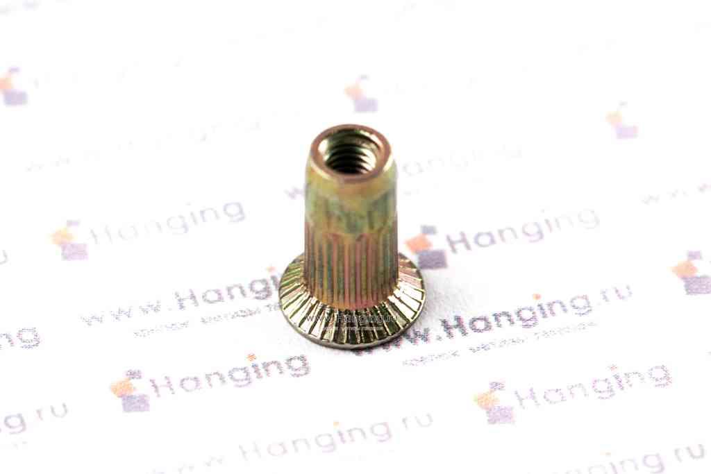 Заклепка с внутренней резьбой М3 длиной 11 мм цилиндрическая с рифлением с потайным фланцем из стали