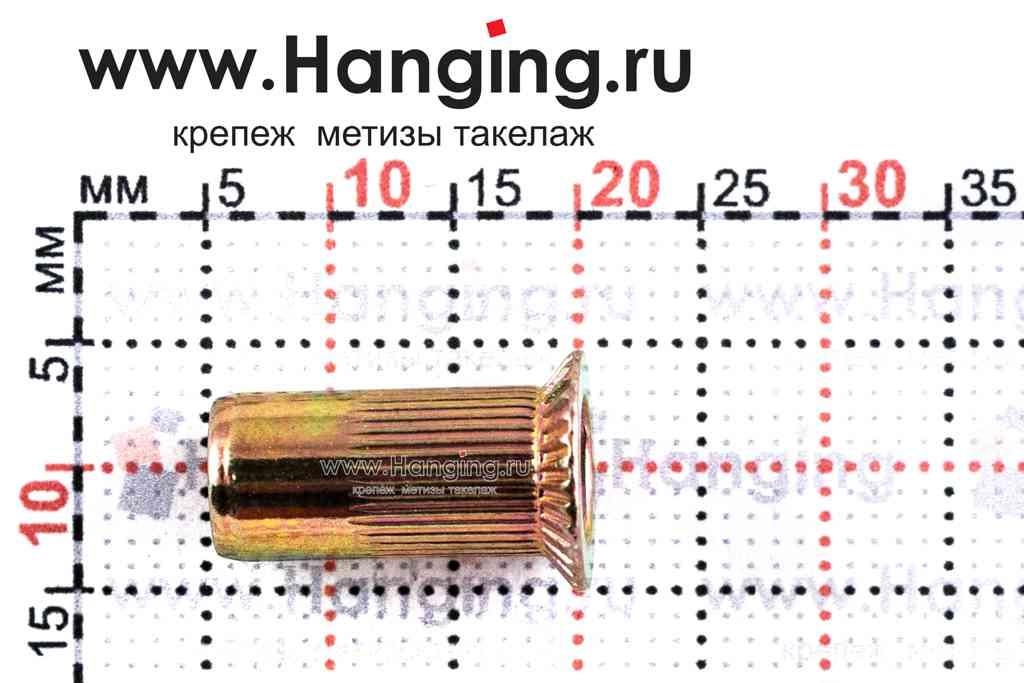 Резьбовые заклепки М5*15 с потайным фланцем из стали цилиндрической формы с рифлением
