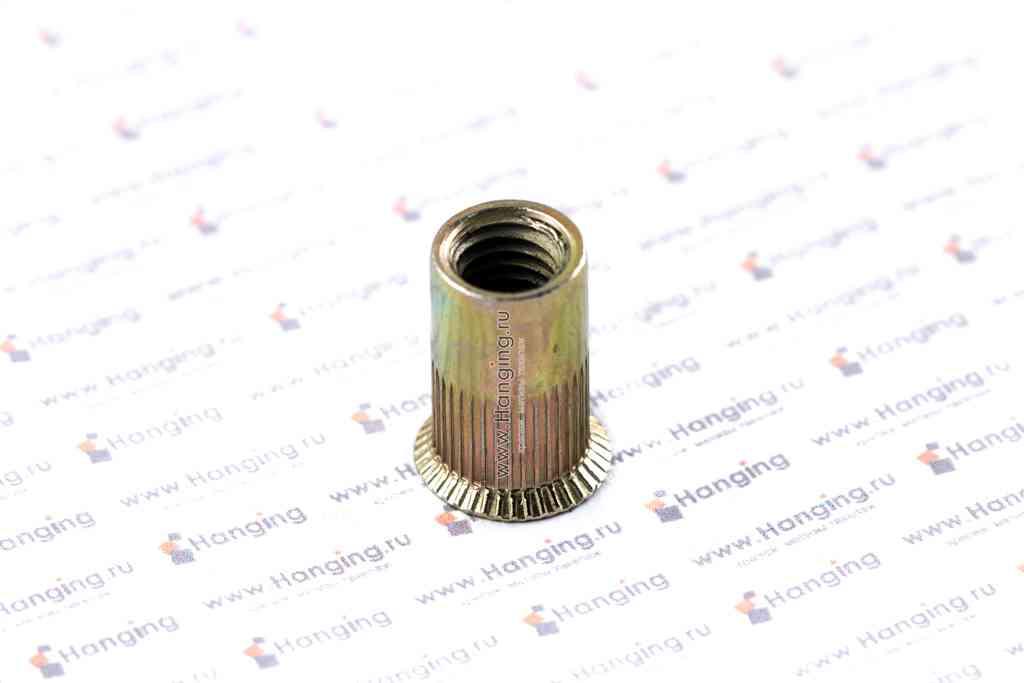 Заклепка с внутренней резьбой М8 длиной 19 мм цилиндрическая с рифлением с потайным фланцем из стали