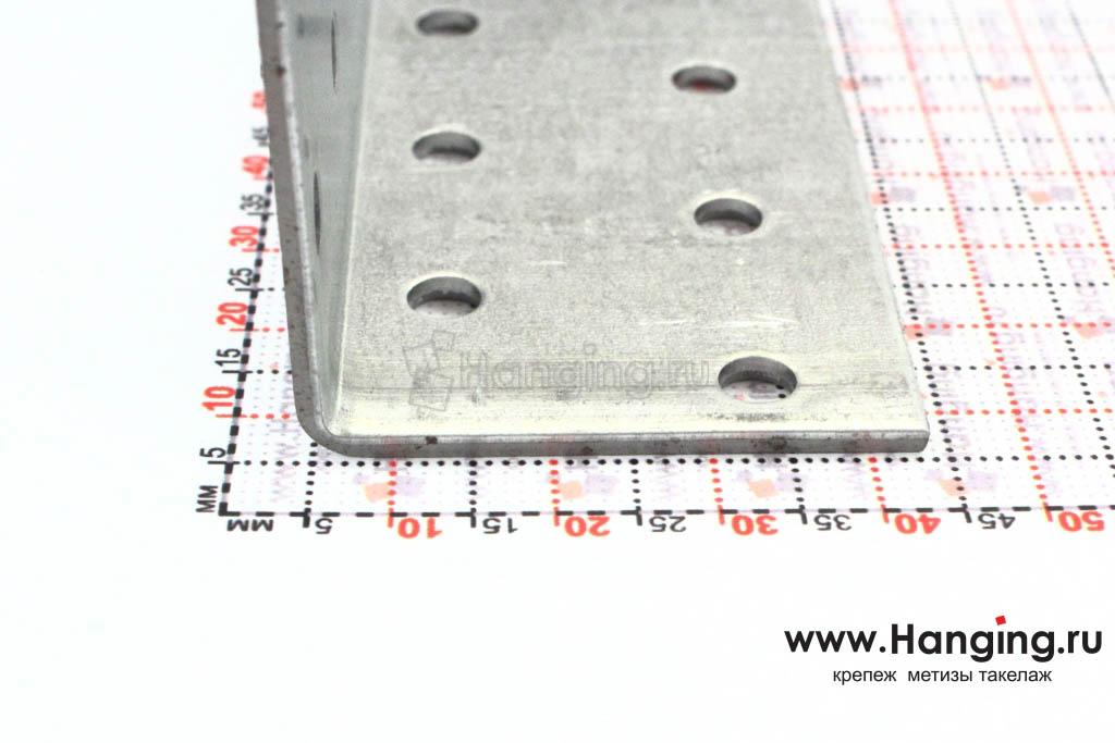 Размеры сторон уголка перфорированного 40х40х80