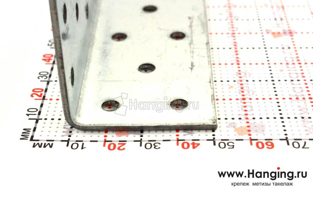 Размеры сторон уголка перфорированного 40х40х120