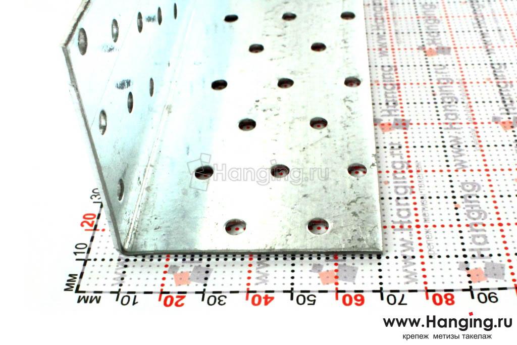 Размеры сторон уголка перфорированного 60х60х200