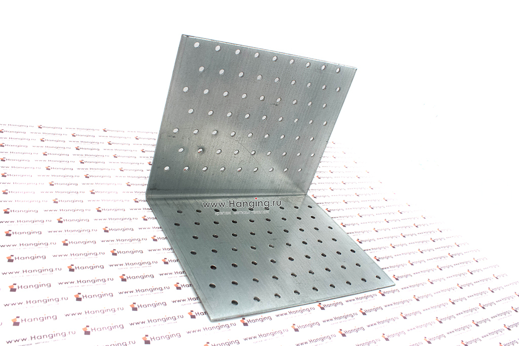 Уголок стальной перфорированный 160*160*200*2
