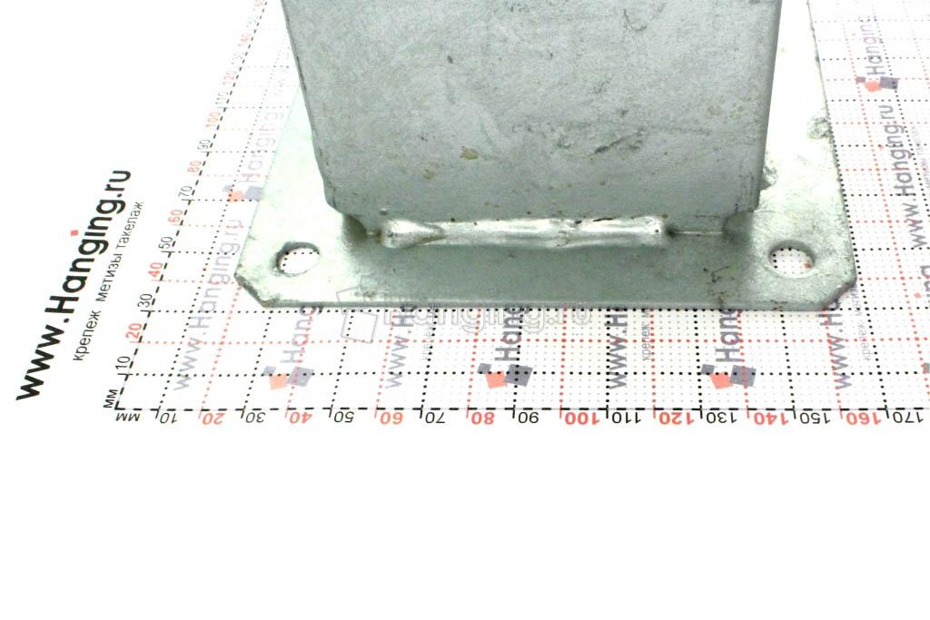 Крепления столба 10х10 см с помощью стального основания