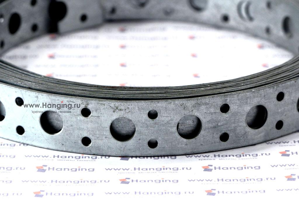 Отверстия стальной прямой перфорированной ленты 20*0,5 длиной 5 метров