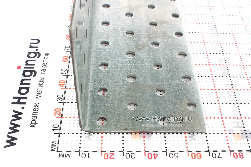 Размеры сторон уголка перфорированного 60х60х120
