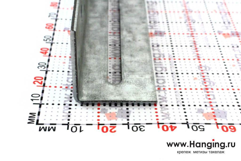 Размер сторон уголка скользящего крепежного 220х30х30