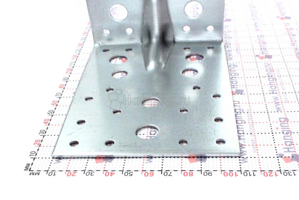Уголок шириной 100 миллиметров усиленный с ребром жесткости