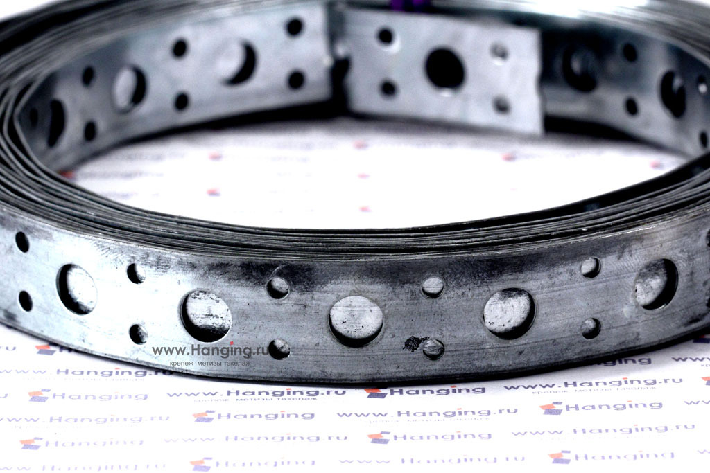 Отверстия ленты прямой оцинкованной 20*1 в рулоне 5 метров