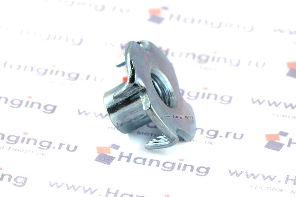 Врезная оцинкованная гайка М6 по стандарту DIN 1624